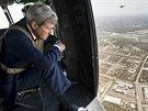 ��f americk� diplomacie John Kerry p�ist�v� v Bagd�du (11. z��� 2014)