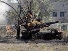 Zni�en� tank u obce Novosvitlivka (15. z��� 2014)