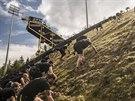 Výběh skokanského můstku HS 142 od dojezdu až na nájezd...netradiční závod si...