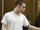 """T.J. Lane u soudu s trička, kde má nápis """"zabiják"""" (19. března 2013)"""