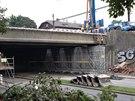 Rekonstrukce �elezni�n�ho mostu si vy��dala uzav�en� Pr�myslov� ulice. V okol�...
