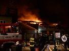 Požár haly ve Skutči na Pardubicku.