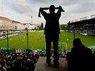 Majitel �ol��ku, kde Bohemians 1905 hraje sv� dom�c� z�pasy, dal klubu v�pov�� z n�jemn� smlouvy. Vyst�hovat se mus� nejpozd�ji 30. listopadu 2014.