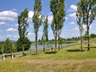 Břeh mostecké vodní nádrže Matylda lemuje 4,12 km dlouhý okruh vhodný pro...