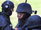 Policisté ze zásahových jednotek vyjíždějí k nejvíce nebezpečným případům. (17....