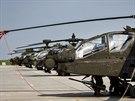 Cvičení v Náměšti se vůbec poprvé zúčastnily americké bitevní vrtulníky AH-64...