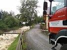 Hasi�i zasahuj� na p�ehrad� v Jevi�ovic�ch na Znojemsku. (14. z��� 2014)