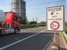 Ředitelství silnic a dálnic  na mosty dálničního přivaděče na D1 (dříve D47) zakázalo vjezd kamionů a snížilo povolenou rychlost. Jsou prý v havarijním stavu.