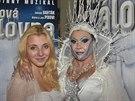 Dagmar Patrasová jako Sněhová královna a její dcera Anna, která v muzikálu...