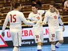 Michal Belej a Michal Seidler slaví gól v utkání české futsalové reprezentace.