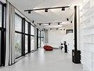 �e�ení interiéru bylo p�edur�eno prací fotografa: 4 m vysoký strop, hodn�...