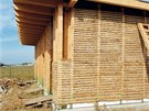 Ekologické stavitelství nabízí vedle praktického přínosu i nepopiratelné půvaby