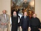 Ministr kultury Daniel Herman (v tmavém obleku) a ředitel Národní galerie Jiří...