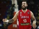 Srbský reprezentační pivot Miroslav Raduljica