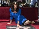 Katey Sagalov� dostala hv�zdu na hollywoodsk�m chodn�ku sl�vy (Los Angeles, 9....