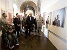 Prezident Miloš Zeman navštívil 16. září na Pražském hradě výstavu Tváře