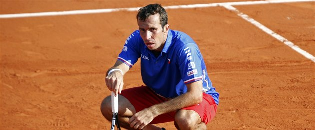 NE�LO TO. �eský tenista Radek �t�pánek byl p�i �ty�h�e v daviscupovém...