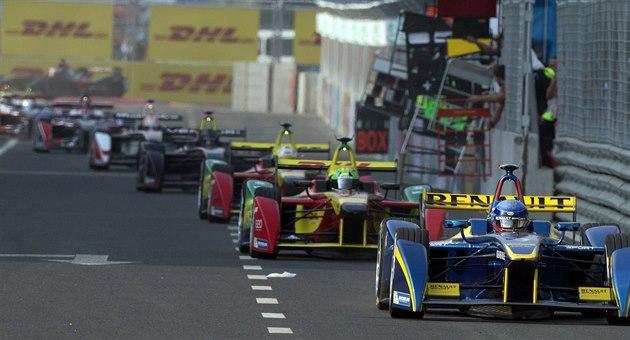 Pole jezdc� v závod� formule E