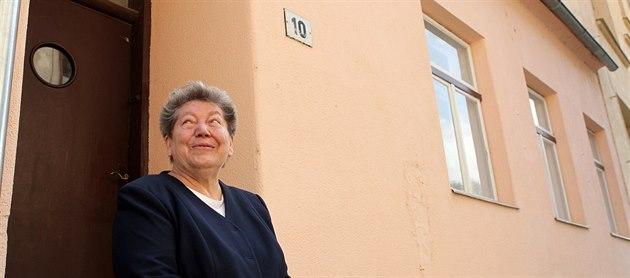 Mezi zdmi, z nich� vystupují staletí, pro�ila Anna �tumarová prvních 20 rok�...