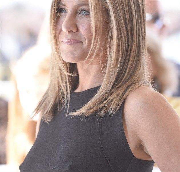 Jennifer Anistonová na filmovém festivalu v Torontu (8. zá�í 2014)