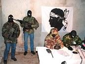 Korsičtí separatisté na snímku z roku 1999.
