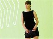 Hedvika má na sobě: šaty s aplikací, Lucia Verona;  kožené psaníčko, Ondruškovic