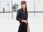 Hedvika má na sobě: top, vlastní; sukni, Lucia Verona; křivák, Vero Moda,...