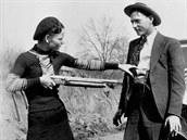 Bonnie a Clyde Americe ukázali, �e i zlo�in m�e být sexy.