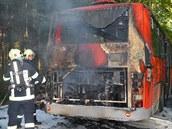 Po�ár postar�ího autobusu zp�sobila technická závada v palivové soustav� motoru.