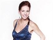 Moderátorka Nora Fridrichová v plesových �atech, které v�nuje do dra�by na 12....