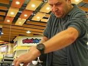 Nejrychlej�í v �ehlení ko�ile byl na 1. mistrovství Brna Petr Sýkora. Ko�ili...
