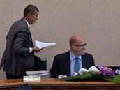Premiér Bohuslav Sobotka a ministr financí Andrej Babi� na jednání vlády s...