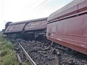 Nákladní vlak pln� nalo�ený uhlím vykolejil u P�evý�ova na Královéhradecku....