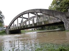 Povodně zasáhly Jevišovice na Znojemsku. Lidé nyní odklízejí spoušť, kterou...
