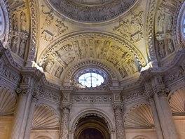 Interiér katedrály Panny Marie ve španělské Seville
