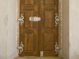 Dveře kabinetu po repasi