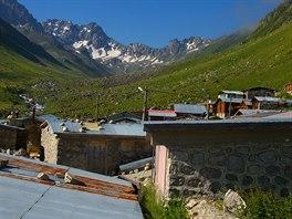 Naše putování pohořím Kačkar Daglari začínáme v osadě Yukari Kavron.