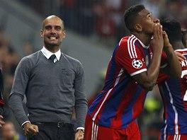 ROZHODL. Jérome Boateng, obránce Bayernu Mnichov, oslavuje svůj gól proti