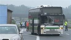 srá�ka kon� s autobusem na 12,5 km ve sm�ru na Strakonice