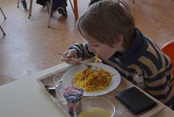 Děti s celiakií si v porubských školách mohou pochutnat i na špagetách.