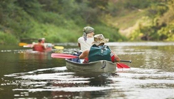 Konec vodácké sezóny se neobejde bez symbolického uzamčení řeky, poslední