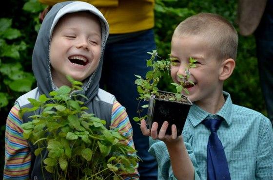 Děti ze Základní školy Letokruh tráví hodně času pobytem v přírodě.