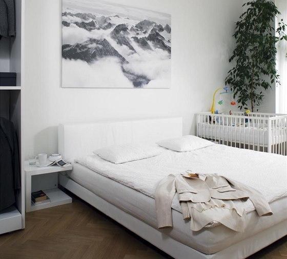 Ložnice je orientovaná na sever do ulice stejně jako dva dětské pokoje.