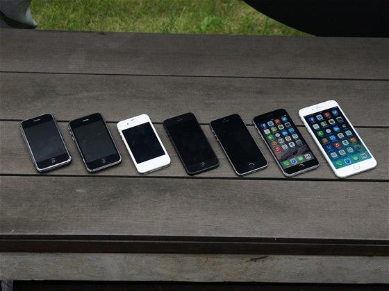 iPhone 6, iPhone 6 Plus a jejich star�� sourozenci