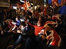 Den po ohlášení výsledků referenda vypukly v Glasgow nepokoje (20. září 2014)