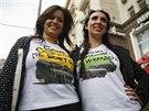 Vlastenecká trika, které obyvatelé Moskvy mohou získat výměnou za triko s...