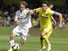 Běžecký souboj svedli Luka Modric z Realu Madrid (vlevo) a kapitán Villarrealu...