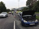 Nehoda dvou osobních aut mezi Branickým a Barrandovským mostem zkomplikovala...