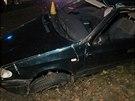 U obce Drnek na Kladensku havarovalo vozidlo s pěti mladými lidmi, tři svým...