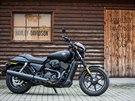 I když má netradiční motor, Harley-Davidson se v modelu Street nezapře.